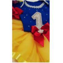 Saia de tutu com body personalizado e tiara. - 9 a 12 meses - Produto Artesal