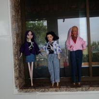 Roupinhas. Da barbie e similares.. -  - Barbie e Várias