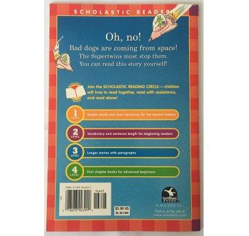 Livro Infantil Supertwins meet the bad dogs  space - Sem faixa etaria - Scholastic