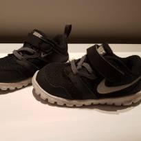 Tenis Nike Tam 20 - 20 - Nike