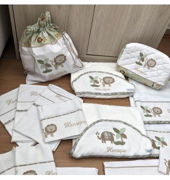 Kit Enxoval com 17 Peças personalizado com nome Henrique - Sem faixa etaria - QMama Baby