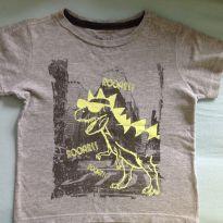 Camiseta Dinossauro brilha no escuro - 2 anos - Não informada