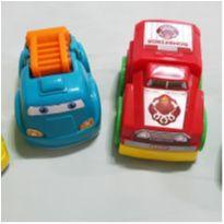 Kit de 4 carrinhos pequenos -  - Não informada