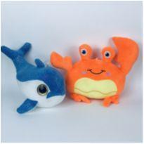 2 Pelúcias - Baleia azul + Caranguejo