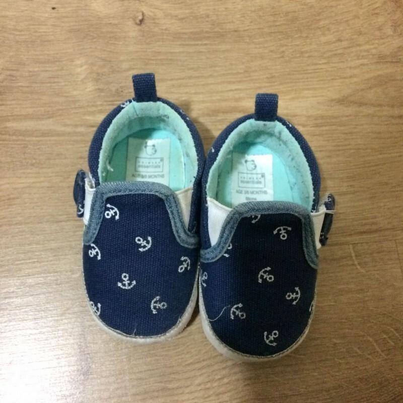 3292bfead9 Sapato PRIMARK - 3 6 meses 17 no Ficou Pequeno - Desapegos de ...