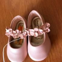 Sapato rosa com detalhes em pérola e strass - Pampili - Tamanho 17 - 17 - Pampili