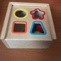 Caixa de encaixe - em madeira - Brinquedo Educativo -  - Hema