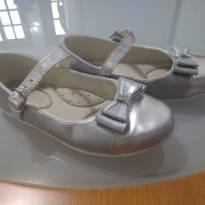 Sapatinho lacinhos prata - 27 - Pezinho de Cereja