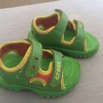 Sandália Papete Crocs - 22 - Crocs
