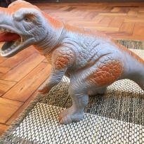 Dinossauro - Sem faixa etaria - Não informada