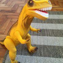 Dinossauro 3 - Sem faixa etaria - Não informada
