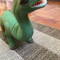 Dinossauro 2 - Sem faixa etaria - Não informada