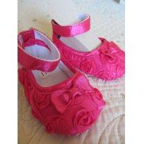 Sapato em cetim rosa pink para bebê - S003 - Tam: 10 cm (solado externo) - 13 - Não informada
