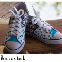 FP321. Tênis Flowers and Hearts - 28 - Customizado