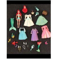 Boneca pequena princesa Ariel -  - Disney