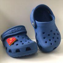 FOFURA de Crocs Infantil Classic Clog K -Azul   menor tamanho que tem - 17 - Crocs
