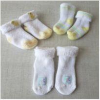 Kit 3 pares meias bebê felpudas importadas -  - Carter`s