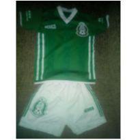 Conjunto de futebol México - 2 anos - Não informada