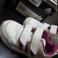 Tenis branco e magenta Adidas adiRun 2 sync CF I - 22 - Adidas
