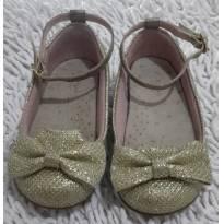 Sapato dourado com laço e fivela - 19 - Ortopé