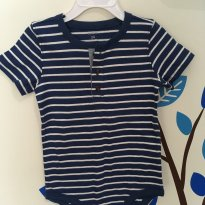 Body listrado azul e branco com botão OshKosh - Tamanho: 24 meses - 2 anos - Carter`s