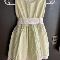 Vestido verde poá