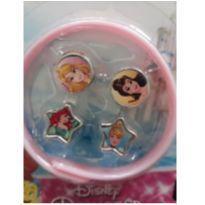 Kit Pulseira com Pingentes Princesas Disney -  - Disney