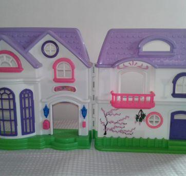 Linda casa de boneca - Sem faixa etaria - Não informada