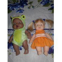 Lote de duas bebês - Sem faixa etaria - Não informada