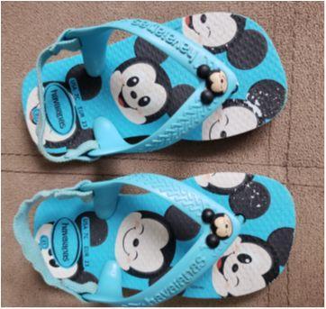 Chinelo Tiras Bebê Mickey Mouse Havaianas - Azul - 21 - Havaianas