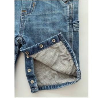 Macacão Jeans GAP - 3 a 6 meses - GAP