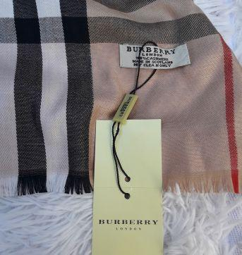Echarpe/Lenço Burberry - Sem faixa etaria - Burberry inspired