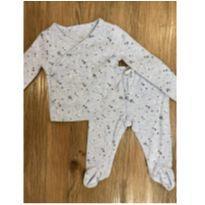 Pijama Estrelas GAP - 3 a 6 meses - Baby Gap