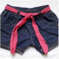 Lindo short jeans  com botõezinhos rosa - 1 ano - Bicho Molhado
