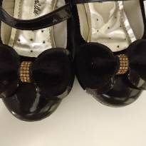 Sapato preto - 23 - Não informada