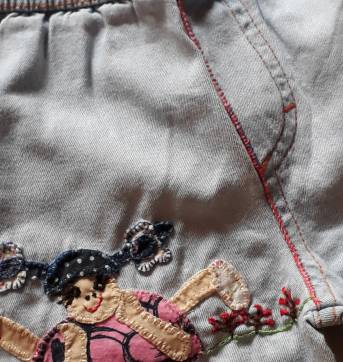 Código  213 calça  jeans tam m - 1 ano - Não informada