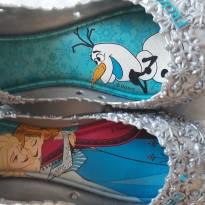 Código  257 sapatilha  frozen - 28 - Não informada