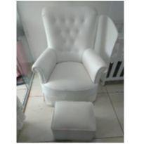 Cadeira de amamentação -  - Não informada