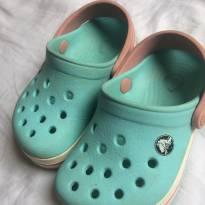 Crocs Azul e Rosa Original Tam 4c5