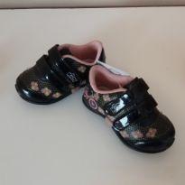 Tênis preto com flores - 16 - Kidy