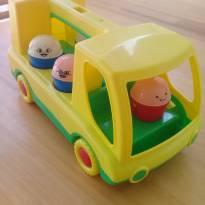 Carrinho com 5 bonecos de encaixar _ Cód.Cx0098