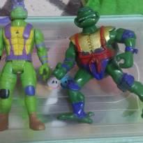 Dois Bonecos Tartarugas Ninja  !!! -  - Não informada
