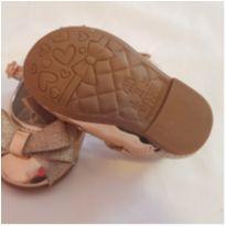 Sapato Dourado - 17 - Molekinha