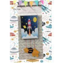 quadrinho lindo astronauta foguete espaço para decorar o quartinho -  - Não informada
