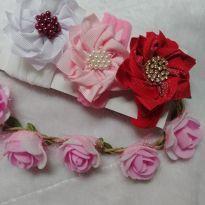 Faixinha flores na meia de seda -  - Feito à mão