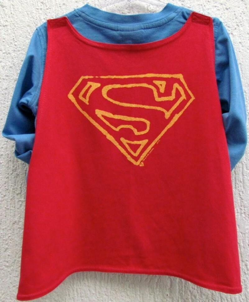 ce2605bf4 3550 - Camiseta Gap do Super Homem c capa - H  2 anos 2 anos no ...