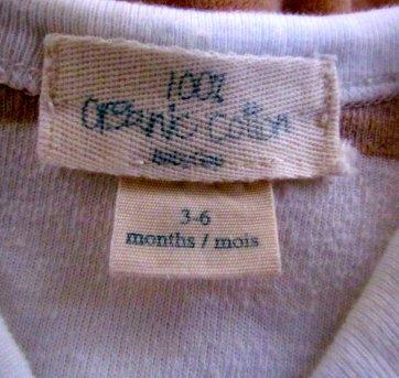3566 - Macacão Gap listrado em branco e bege - M/3-6 meses - 3 a 6 meses - Baby Gap