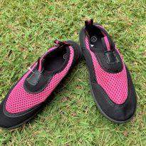 4729 - Sapatilha preta e pink Dolgen – USA 13-1/BR 31/20 cm. - 31 - Importada