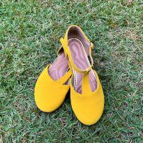 4730 - Sapato amarelinho La Dutry – Brasil 30 – 19 cm. - 30 - La Dutry Kids