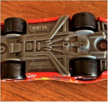 4818 - Relâmpago McQueen – o grande astro da série The Cars - Sem faixa etaria - Disney